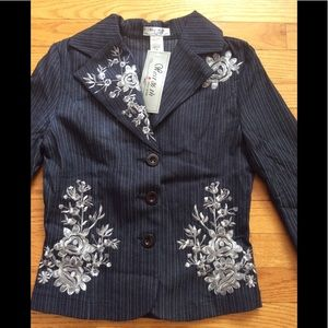 Jackets & Blazers - 🌹ONLY 1 available🌹Cute Embroidered NEW Top